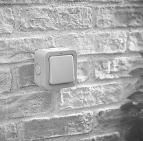 OUTDOOR/WEATHERPROOF SWITCHES